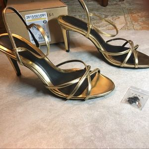 Zara Basics Sandals size 9